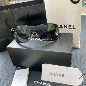 CHANEL Swarovski Crystal Camellia Sunglasses Black